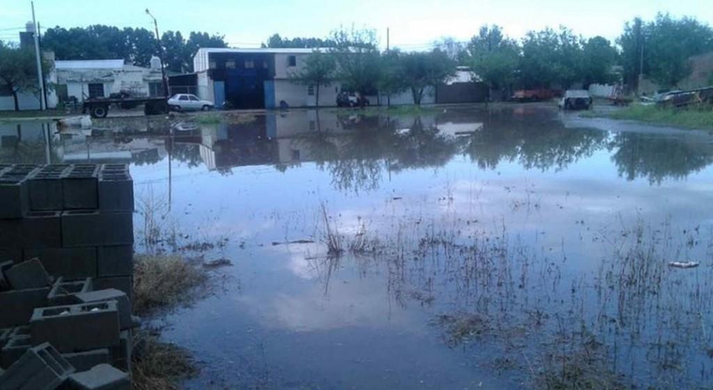 El Ministerio de Desarrollo Social asiste a las familias evacuadas de Dolores