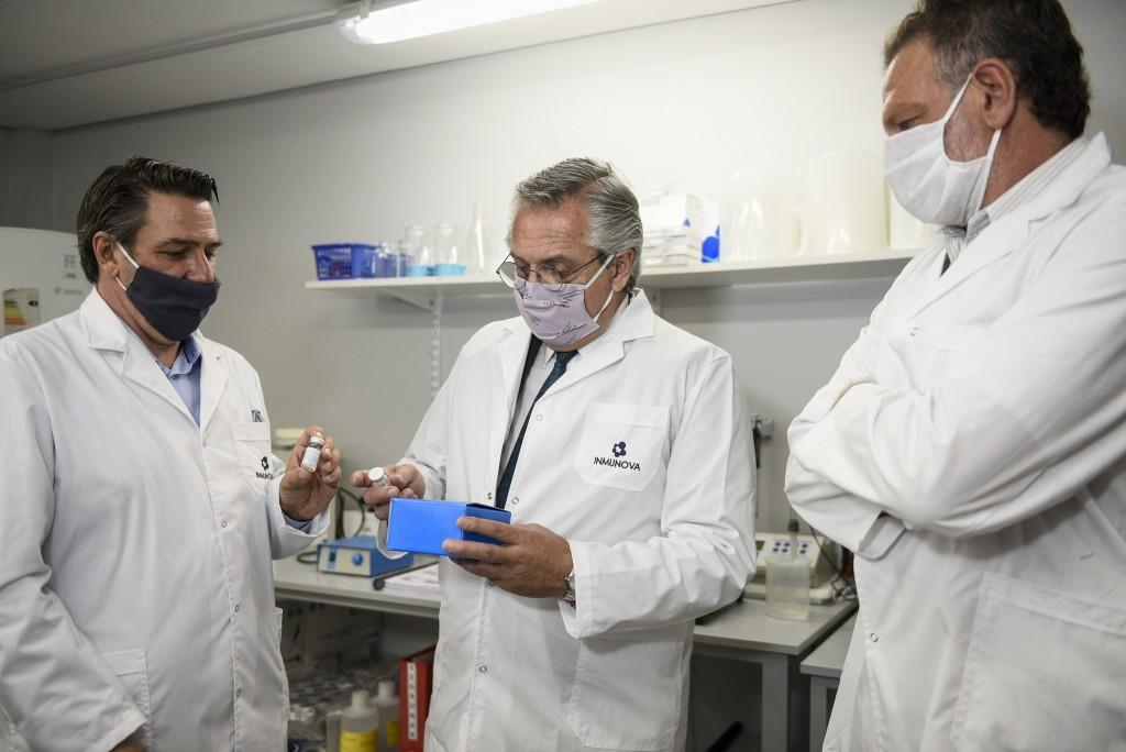 El Presidente recorrió los laboratorios de la Universidad de San Martín