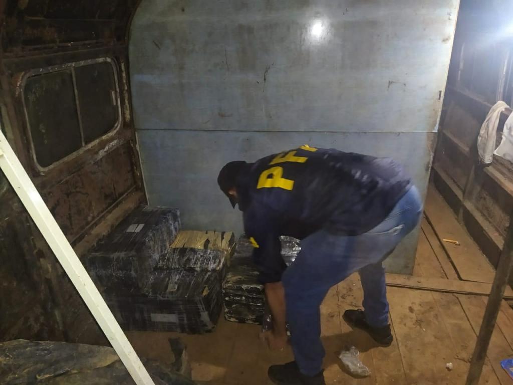 La Policia Federal Argentina desarticuló una organización criminal e incautó más de 1200 kilos de marihuana