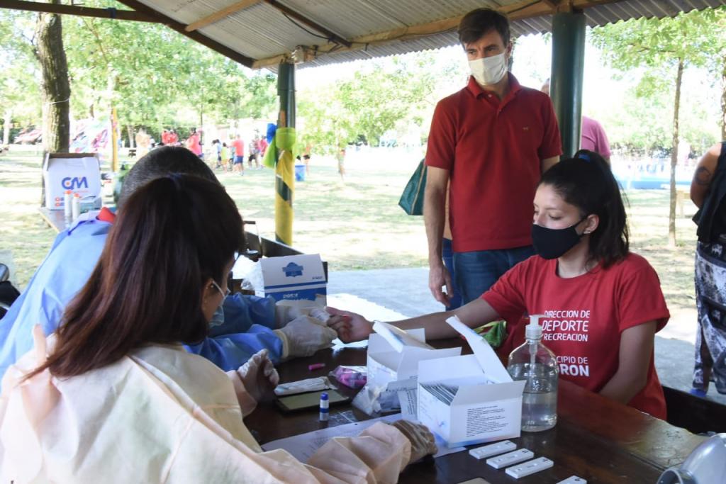 Lucas Ghi visitó las colonias de verano que funcionan con protocolos sanitarios estrictos y testeos al personal