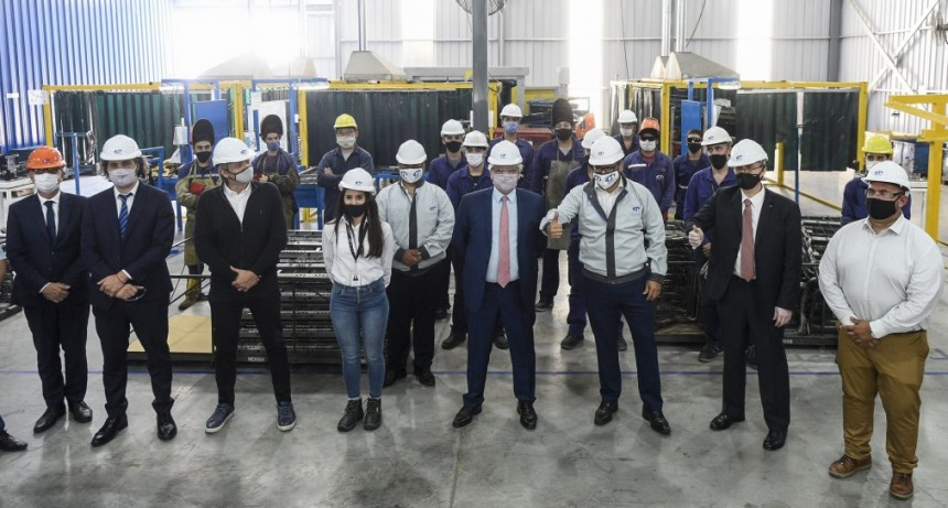 El Presidente visitó una autopartista nacional que fabricará piezas para el nuevo modelo Volkswagen Taos en Baradero.