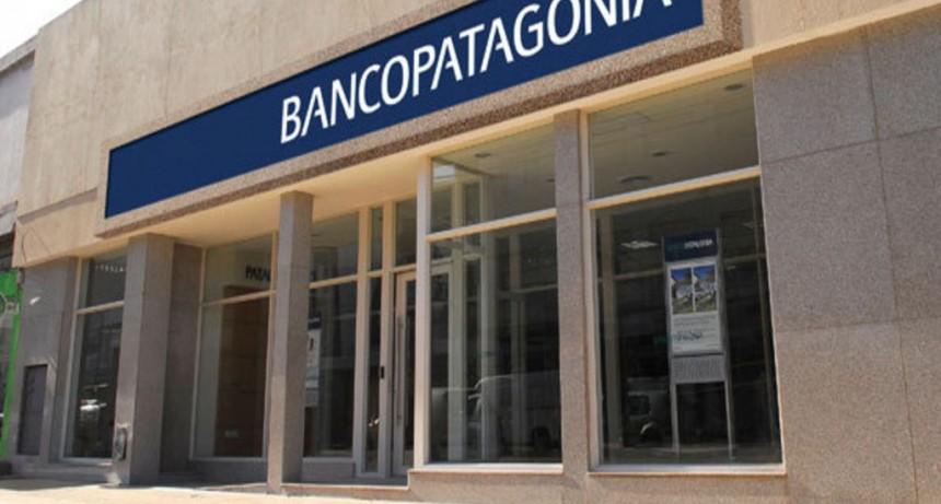 Multa a Banco Patagonia por cobros indebidos a beneficiarios del IFE