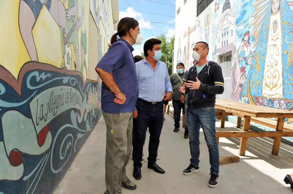 """Fernando Espinoza: """"Vamos a urbanizar los barrios Puerta de Hierro, San Petersburgo y 17 de Marzo para seguir cambiándole la vida a nuestra gente"""""""