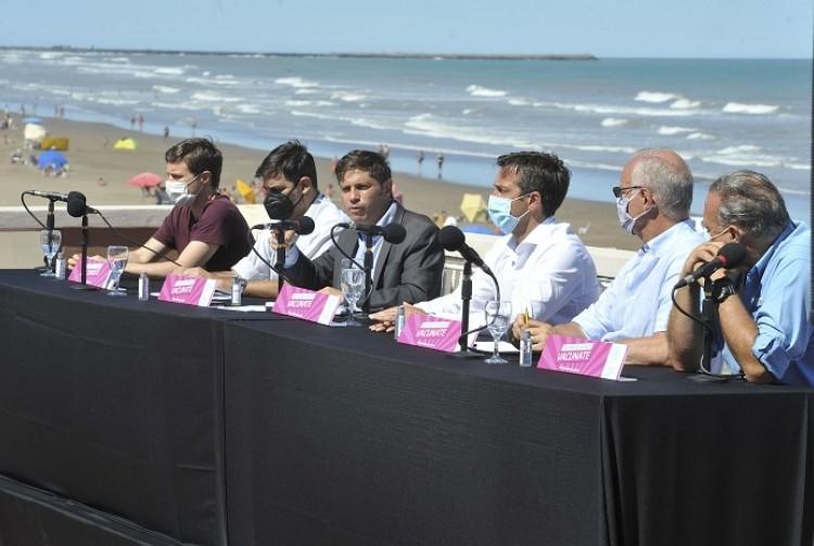 """Axel Kicillof: """"Todos los bonaerenses que quieren vacunarse le ganaron a la campaña antivacunas"""""""