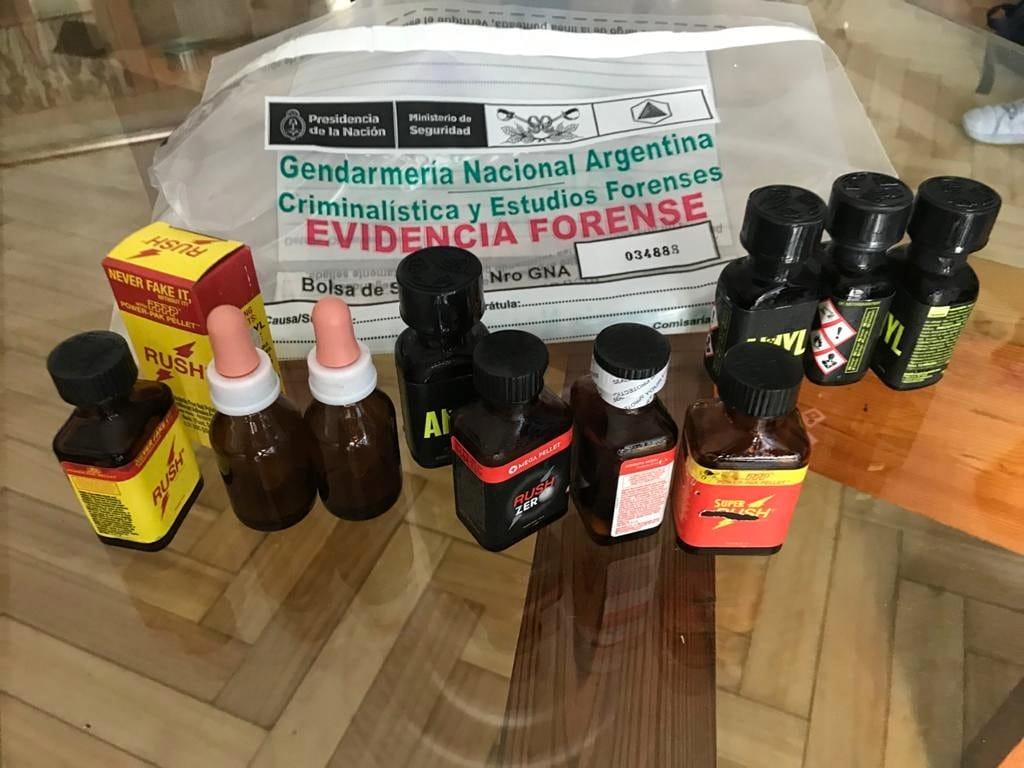 Gendarmería Nacional y la Aduana incautaron popper en Recoleta