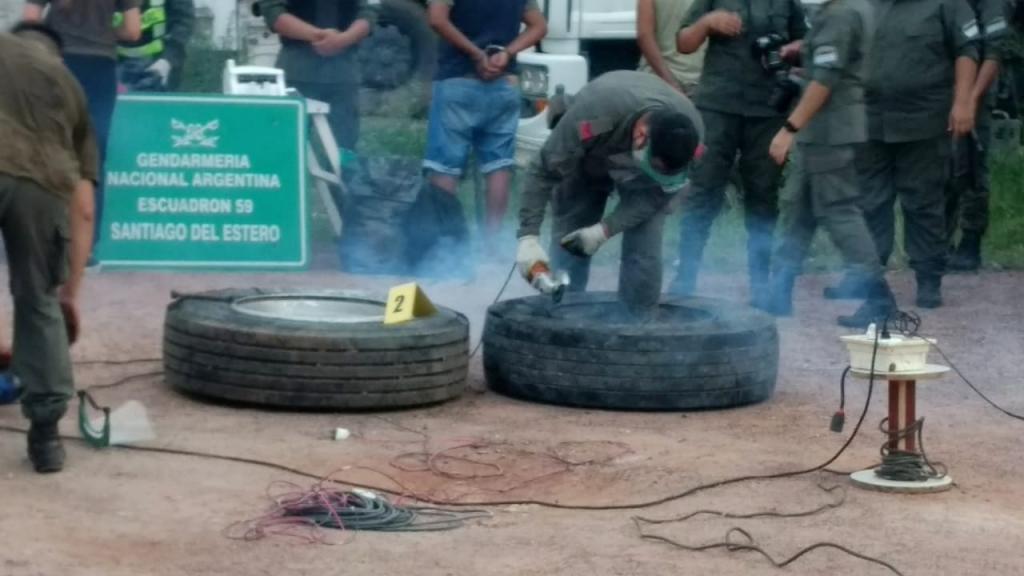 Gendarmería Nacional secuestró 273 kilogramos de cocaína y detuvo a dos personas