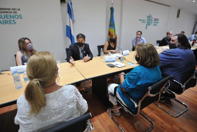 La Pcia de Buenos Aires realizó una propuesta salarial a los gremios docentes