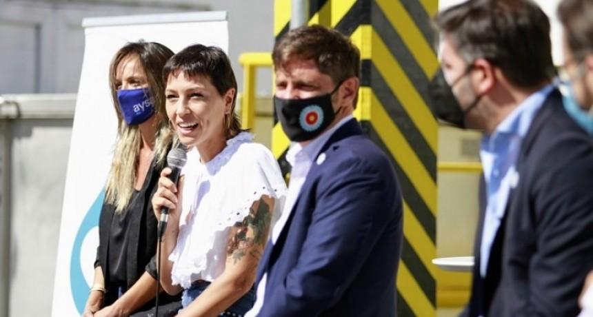 Axel Kicillof junto a Mendoza y Galmarini inauguraron obras cloacales y de agua potable en barrio Itatí