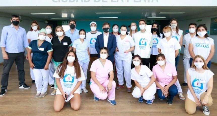 """Axel Kicillof visitó el operativo de vacunación en el Estadio Único """"Diego Armando Maradona"""""""