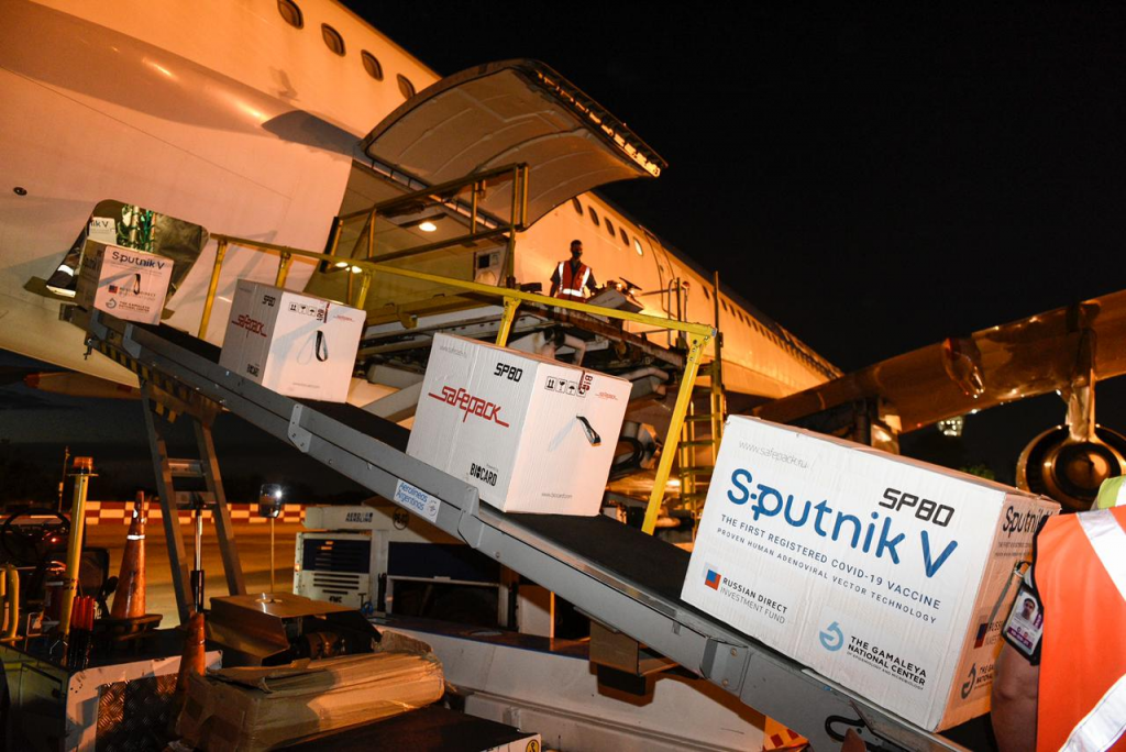 Llegaron al país 732.500 nuevas Sputnik V