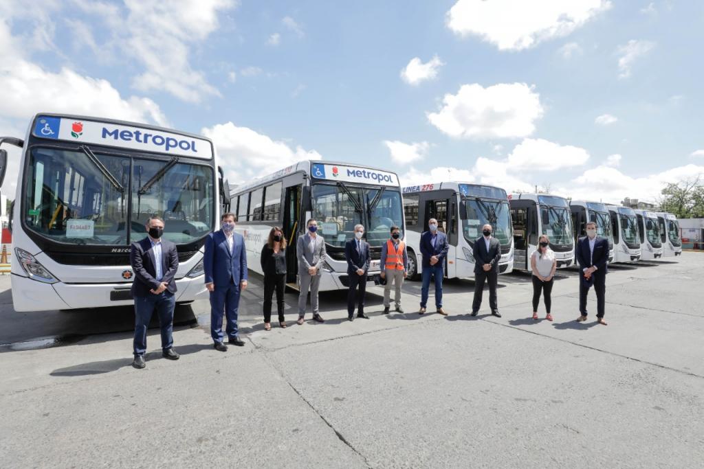 Mario Meoni recorrió las instalaciones de Metropol, la empresa que incorporará 250 nuevas unidades de colectivo