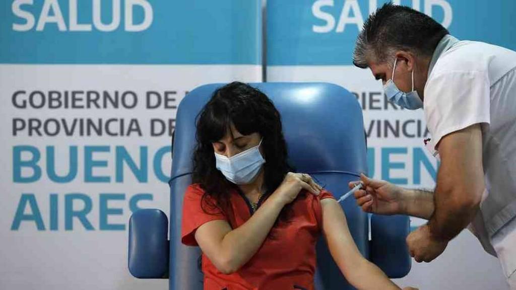 Los Ministerios de Salud y de Educación analizaron el inicio de la campaña de vacunación de docentes en el país