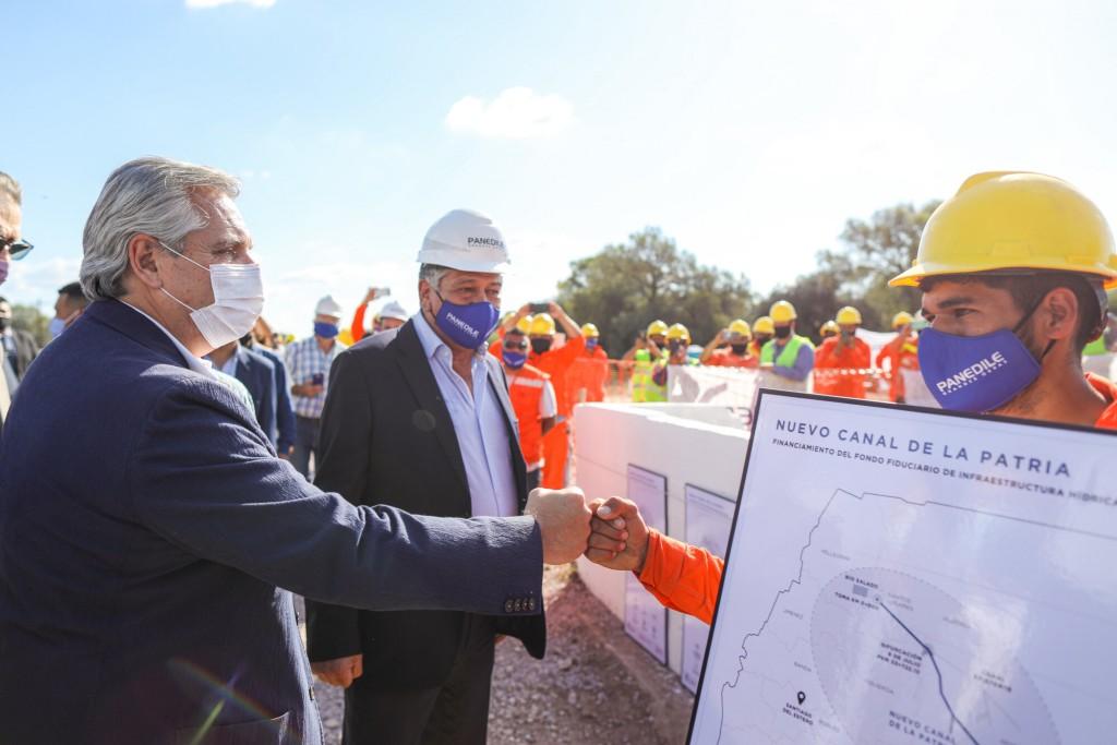 """Alberto Fernández: """"Tenemos que construir las condiciones para que nuestros pueblos vivan con la dignidad que merecen"""""""