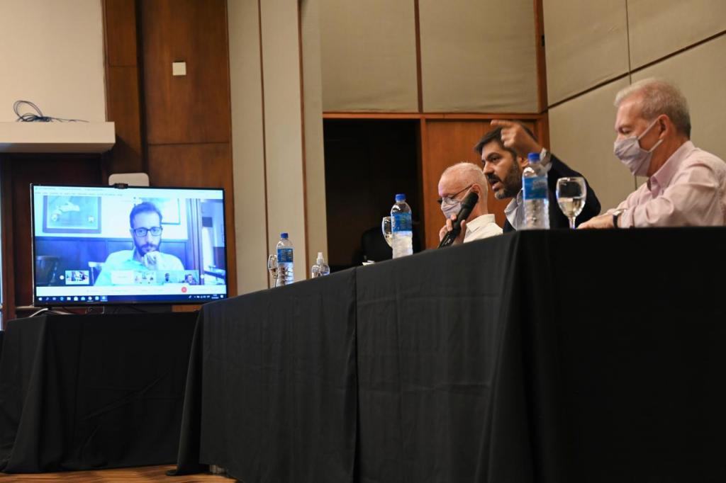 La Pcia. de Buenos Aires presentó contratos de obras de infraestructura sanitaria y social