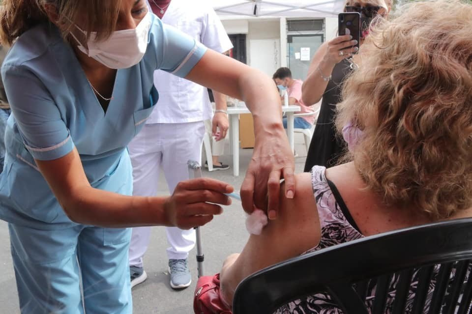 El Municipio de  Morón ya vacunó al 88% de los mayores de 70 años