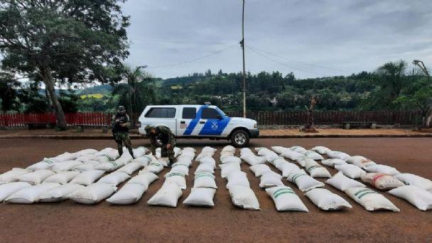 Prefectura Naval secuestró más de 4.000 kilos de granos ilegales de soja