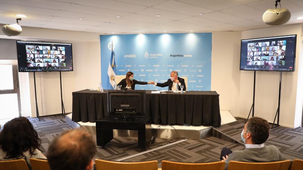 SENAF y ANSES firmaron un convenio para ampliar el acceso de chicas y chicos a su derecho a la seguridad social