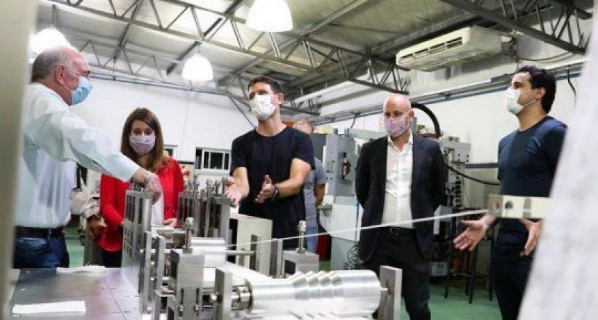 El Ministerio Desarrollo Productivo financió la primera máquina nacional para la fabricación de barbijos a alta velocidad del país