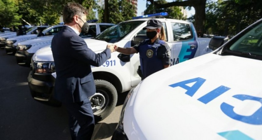 Axel Kicillof puso en marcha 60 nuevos patrulleros para el municipio de La Plata