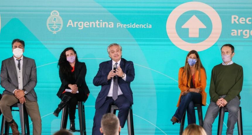 """""""La crisis no nos detiene, nada nos frena"""", sostuvo el presidente al presentar el Plan Contenidos Argentinos"""
