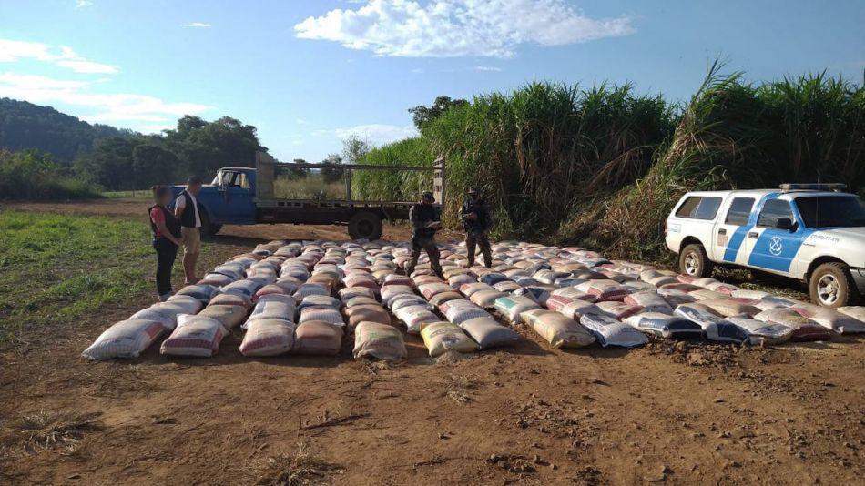 Prefectura decomisó más toneladas de semillas de soja ilegales