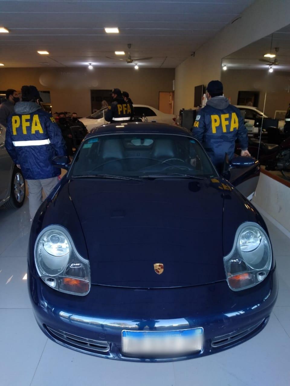 La Policía Federal desbarató una organización que importaba vehículos de alta gama de manera irregular