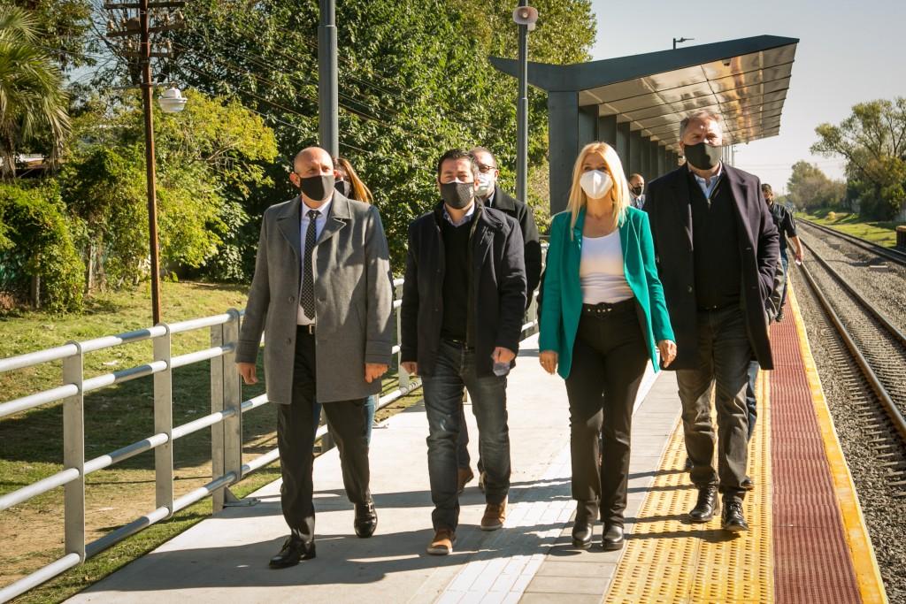 Guerrera inauguró la renovada estación de Sourdeaux: