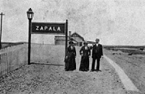 1896:  SE EXTIENDE DESDE BAHÍA BLANCA LA LÍNEA A ZAPALA, LLEGANDO A ELLA EN 1913.