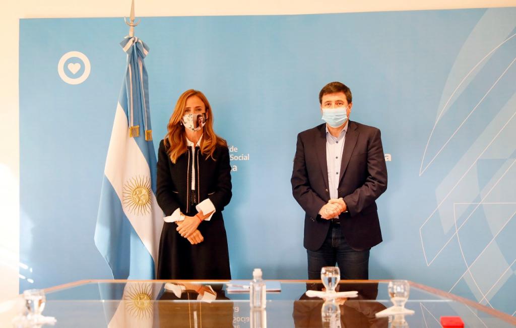 Daniel Arroyo y Victoria Tolosa Paz firman convenio para avanzar en la conversión de planes sociales en trabajo activo