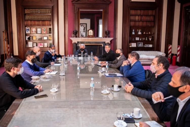 Axel Kicillof y Augusto Costa se reunieron con representantes de las cadenas de producción y comercialización de bienes de consumo masivo