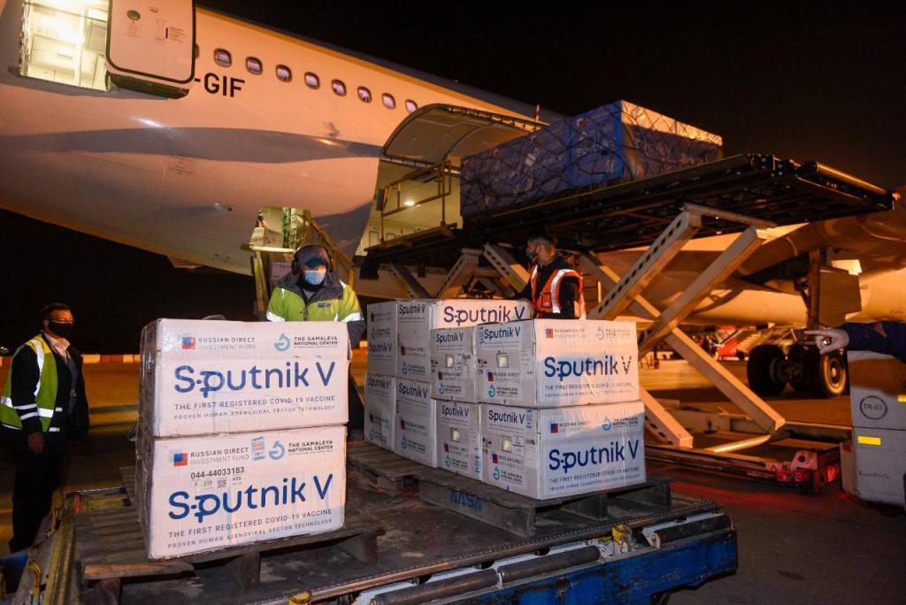Llegaron 500 mil dosis de Sputnik V y ya son más de 12,6 millones de vacunas en el país
