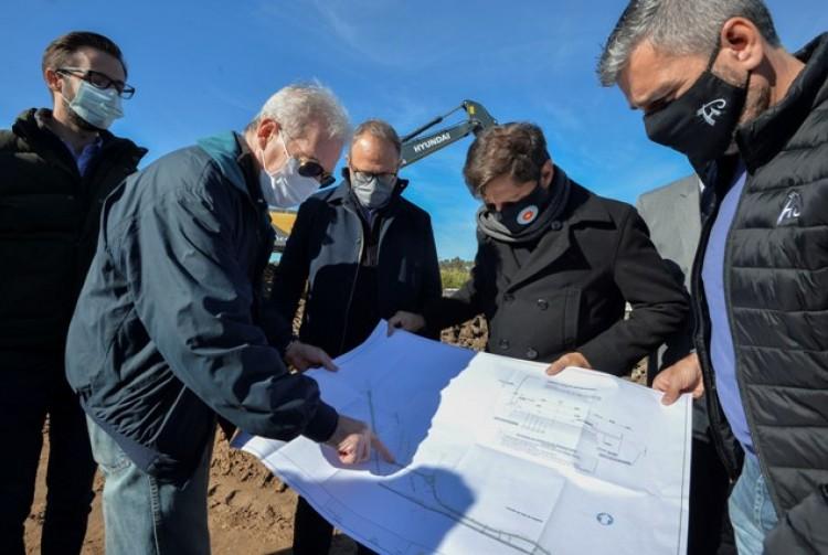Axel Kicillof recorrió las obras del corredor que conectará Hurlingham y Tres de Febrero