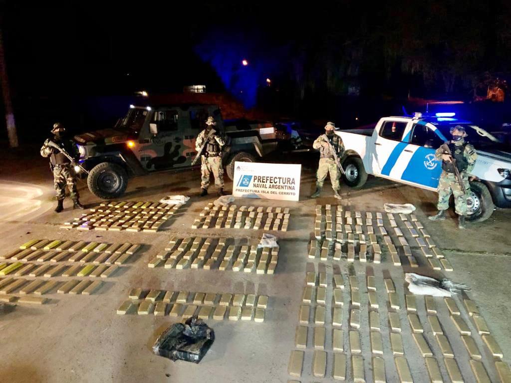 Prefectura Naval secuestró casi 365 kilos de marihuana en Chaco y Corrientes