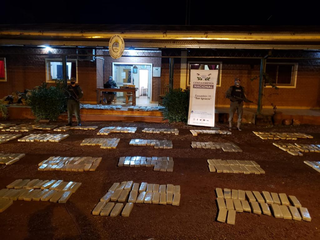 La Gendarmería Nacional incautó más de 960 kilos de marihuana en San Ignacio, Misiones