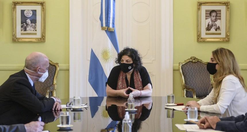 Carla Vizzotti y Cecilia Nicolini se reunieron con el Embajador británico en Argentina, Mark Kent