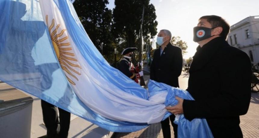 Axel Kicillof y Mario Secco encabezaron el acto por el 220º aniversario de Ensenada