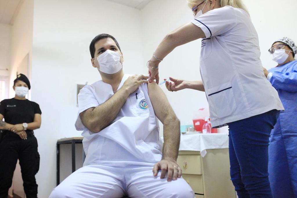Fuerte avance del Plan de Vacunación contra la COVID-19: casi el 30 por ciento de la población de todo el país ya recibió la primera dosis