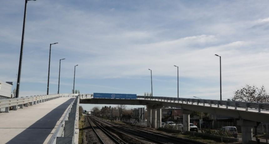Se inauguró el primero de los puentes modulares para la línea Sarmiento