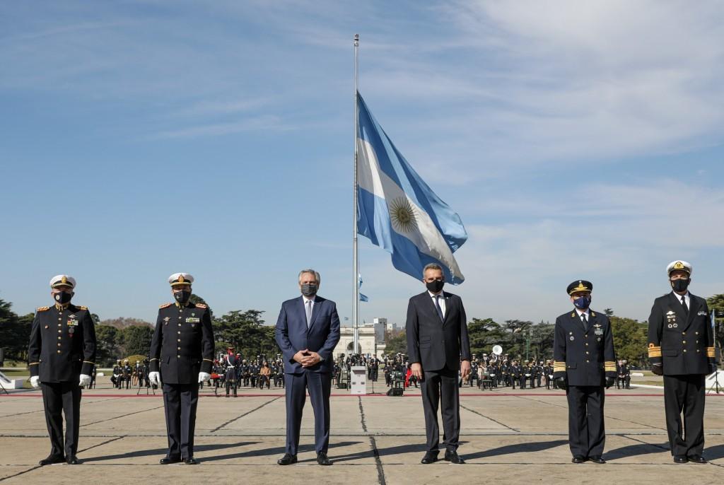 """El Presidente agradeció a las Fuerzas Armadas la asistencia para enfrentar la pandemia: """"Quiero reconocerles de corazón mi gratitud"""""""