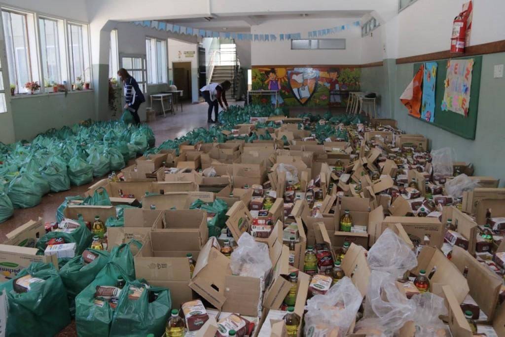 El Municipio entregó un millón de módulos alimentarios a familias de Morón