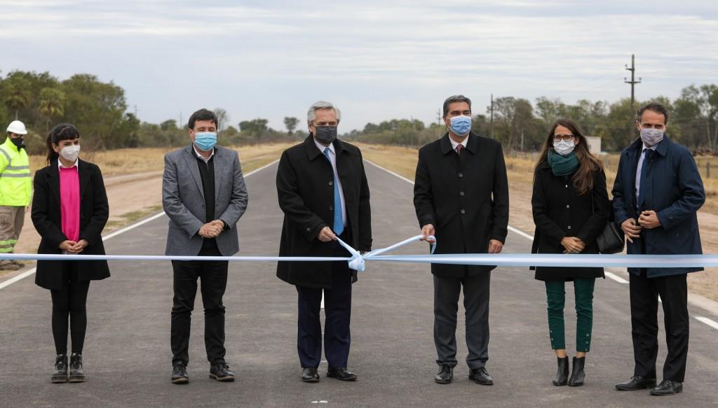 El Presidente inauguró un tramo de la Ruta Provincial 7 y anunció la urbanización del barrio La Rubita, financiada por el aporte extraordinario a las grandes fortunas