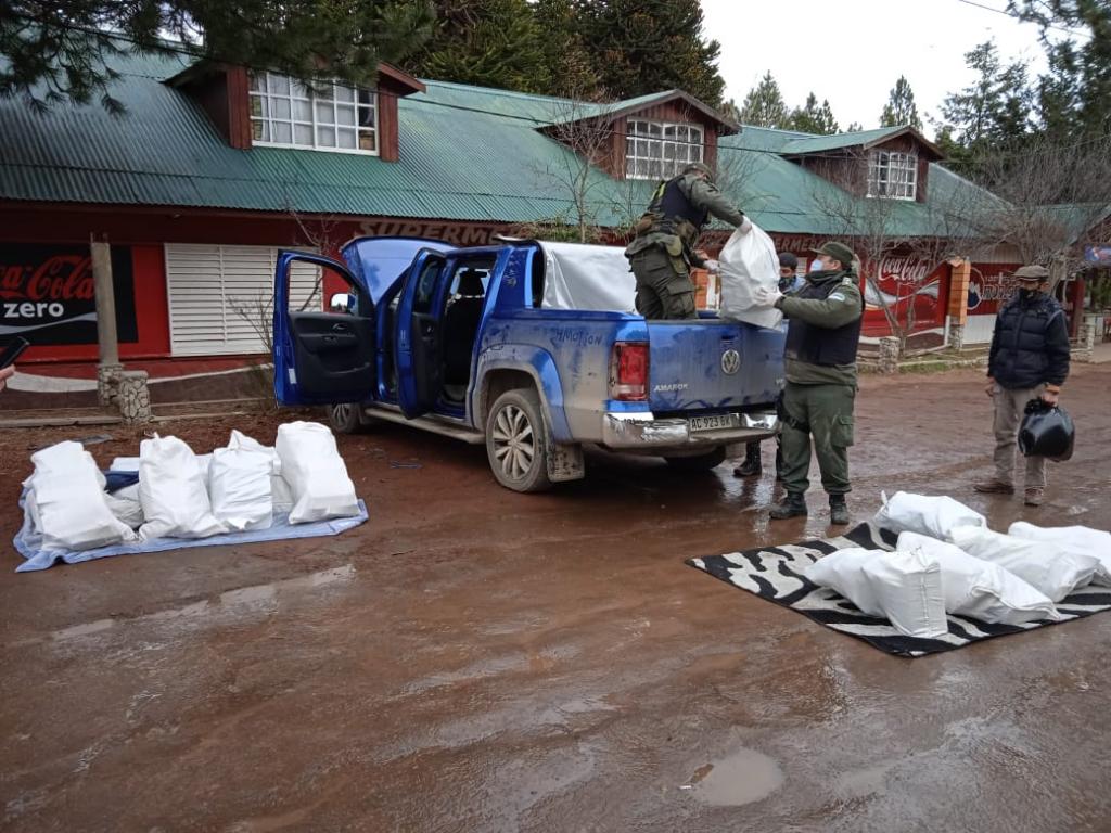 Gendarmería detuvo a 5 personas por tráfico de cocaína y marihuana en Neuquén