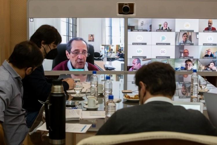 Kicillof se reunió con intendentes del AMBA y con el Comité de Expertos