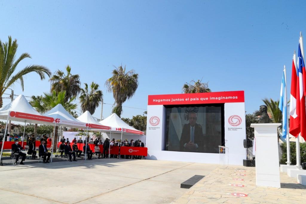 El Presidente participó del acto por los 200 años del Desembarco de la Expedición Libertadora en el Perú