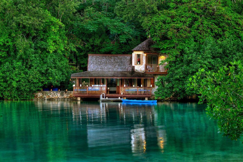 Jamaica ofrece lugares impresionantes para parejas que buscan celebraciones de bodas mas pequeñas e intimas