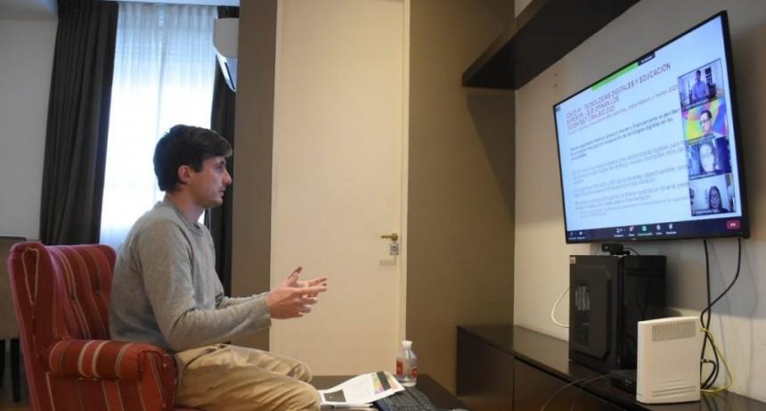 Lucas Ghi participó de una reunión virtual para debatir el rol de los gobiernos locales
