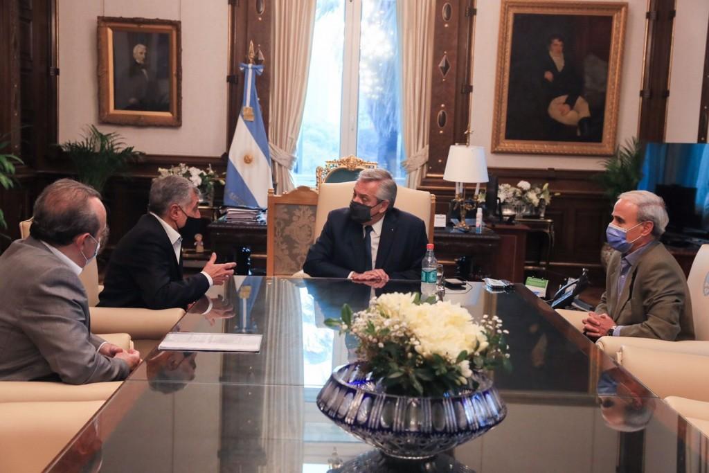 El Presidente analizó la posibilidad de expandir las exportaciones de vino a China junto a José Alberto Zuccardi y Sergio Spadone