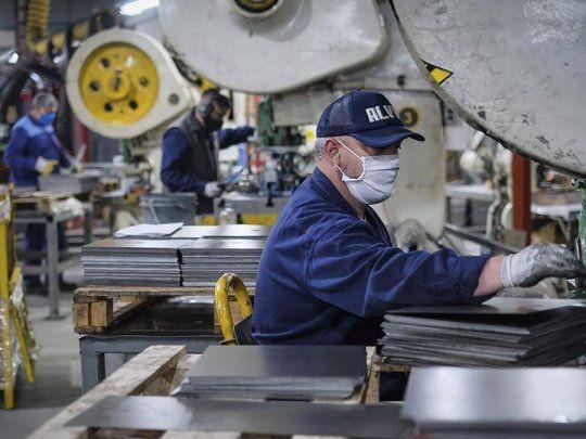 La industria consolida su ritmo de crecimiento y ya creó 36 mil empleos formales desde diciembre de 2019