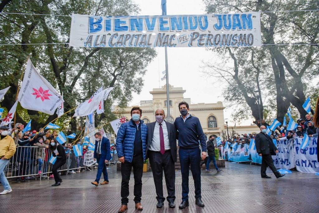 """El Jefe de Ministros Juan Manzur y el Ministro del interior Eduardo """"Wado"""" de Pedro visitaron La Matanza."""