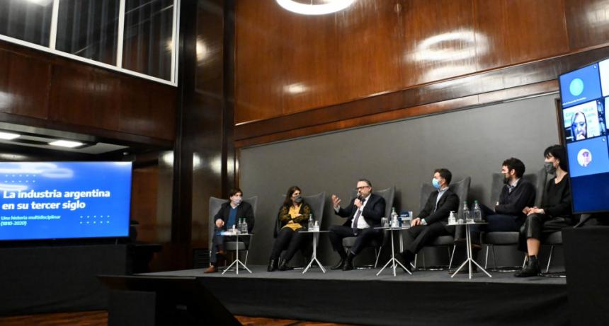 """Matías Kulfas: """"La industria fue, es y será parte de la solución a los problemas de la Argentina"""""""